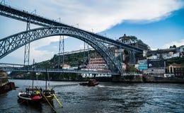 Mening over Porto en rivier Douro met Dom LuÃs I brug royalty-vrije stock foto