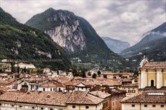 Mening over Riva del Garda stock afbeeldingen
