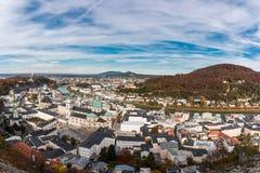 Mening over Salzburg, Oostenrijk van de vesting Hohensalzburg stock afbeeldingen