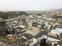 Mening over Salzburg van de vesting wordt gezien die stock foto's
