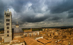 Mening over Siena, met een deel van de Kathedraal. Royalty-vrije Stock Foto