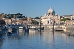 Mening over St Peter Basilica Royalty-vrije Stock Afbeeldingen