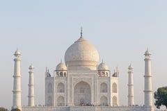 Mening over Taj Mahal met vier minaretten in Agra Royalty-vrije Stock Foto's