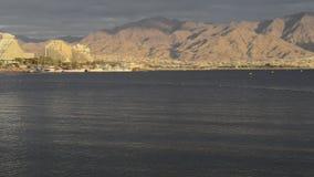 Mening over toevluchthotels van Eilat, Israël stock footage