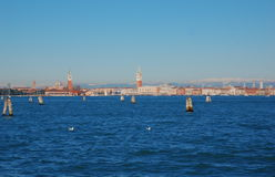 Mening over Venetië van Lido-eiland, Italië Royalty-vrije Stock Fotografie