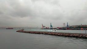 Mening over zeehaven van de boot