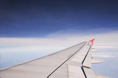 Mening uit de vleugel van het vliegtuigvliegtuig Stock Foto's