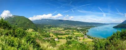 Mening van Annecy meer in Franse Alpen Royalty-vrije Stock Foto