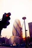Mening van augurktoren in Londen wordt gefotografeerd die van onderaan Royalty-vrije Stock Afbeeldingen