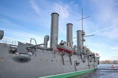 Mening van Aurora Cruiser op Neva River in St. Petersburg, royalty-vrije stock afbeeldingen