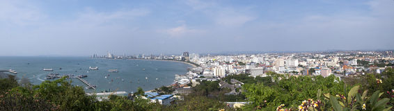 Mening van baai en stad Pattaya, Thailand Stock Fotografie