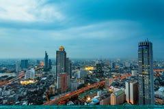 Mening van Bangkok bij schemering Stock Afbeeldingen