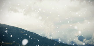 Mening van berg en bewolkte hemel royalty-vrije illustratie