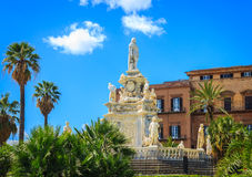 Mening van beroemde Palazzo-dei Normanni, Royal Palace, in Palermo Royalty-vrije Stock Afbeeldingen