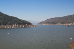 Mening van Bhumibol-Dam, Tak-provincie, Thailand Royalty-vrije Stock Afbeelding