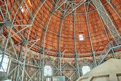 Mening van binnenuit de Basiliek van koepelststephen in Boedapest bij dag Royalty-vrije Stock Afbeelding
