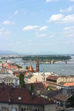 Mening van Boedapest met Donau stock foto