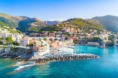 Mening van Bogliasco Bogliasco is een oud visserijdorp in Itali?, Genua, Liguri? Middellandse Zee, zandig strand en royalty-vrije stock foto's
