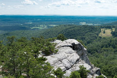 Mening van Bonticou-Steile rots, Mohonk-Domein New York stock fotografie