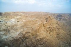 mening van canion vanaf de bovenkant van het Nationale Park van Masada, de ruïnes van het paleis van Masada van Koningsherod in h royalty-vrije stock afbeeldingen