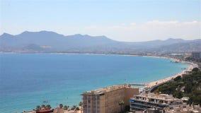 Mening van Cannes en Mandelieu stock video