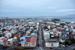 Mening van centrale Reykjavik van Hallgrimskirkja-kerk Royalty-vrije Stock Fotografie