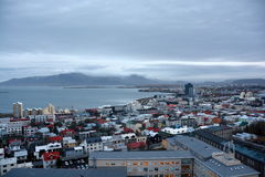 Mening van centrale Reykjavik van Hallgrimskirkja-kerk Stock Fotografie