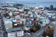 Mening van centrale Reykjavik van Hallgrimskirkja-kerk Royalty-vrije Stock Foto's