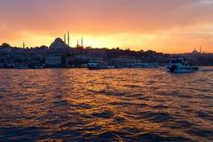 Mening van centrum van 's nachts Istanboel. Stock Foto