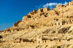 Mening van Chenini, een versterkt Berber-dorp in Zuid-Tunesië royalty-vrije stock afbeelding