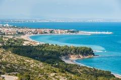 Mening van costline Costa Dorada, Spanje, zandige stranden, landsc Royalty-vrije Stock Foto