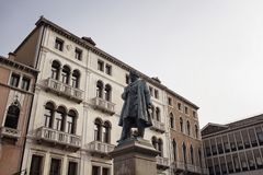 Mening van Daniele Manin-standbeeld stock fotografie