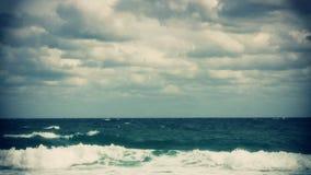 Mening van de Atlantische Oceaan van de Kust van Florida stock videobeelden