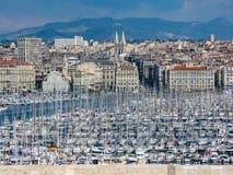 Mening van de baai met de jachthaven in de zomer in Marseille royalty-vrije stock foto