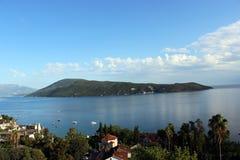 Mening van de Baai van Kotor en Herceg Novi Stock Foto