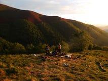 Mening van de bergen in de middagzon Stock Fotografie