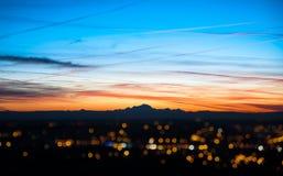 Mening van de bergen die van Alpen van Beaujolais, Frankrijk zien Stock Foto's