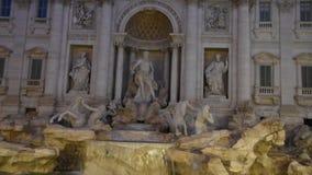 Mening van de Beroemde Trevi Fontein in Rome stock video