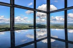 Mening van de binnenkant van een brandtoren op de bovenkant van een berg in NY staat Royalty-vrije Stock Afbeelding