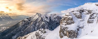 Mening van de Boogvallei en de DameMcDonald berg van de Onderstelgrot Royalty-vrije Stock Fotografie