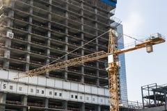 Mening van de bouw met meerdere verdiepingen in aanbouw royalty-vrije stock fotografie