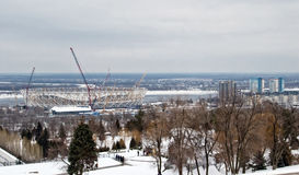 Mening van de bouw van een nieuw voetbalstadion voor de wereld Stock Afbeeldingen