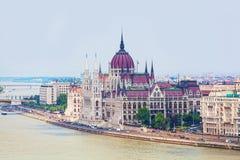 Mening van de bouw van het Hongaarse parlement, Stock Afbeeldingen
