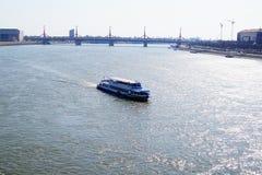 Mening van de brug over de Donau Boedapest Stock Foto's