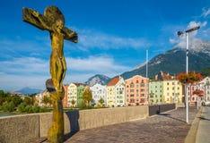 Mening van de brug van Innsbruck in Innsbruck - Oostenrijk Stock Foto's