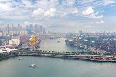 Mening van de commerciële haven van Singapore Royalty-vrije Stock Foto