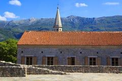 Mening van de daken en de baai van Budva in Montenegro Royalty-vrije Stock Afbeelding