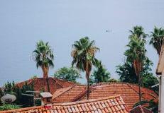 Mening van de daken en het overzees, Herceg Novi, Montenegro royalty-vrije stock foto