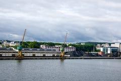 Mening van de de kadehaven en scheepswerf Royalty-vrije Stock Afbeeldingen