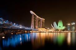 Mening van de de nachtstad van Singapore de mooie Stock Afbeeldingen